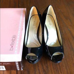 Beautiful Women's Black Shoes Supermodel Size 8